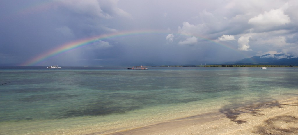 indonesia-rainbow-gili-panorama-good-things-journal