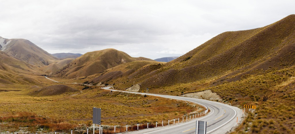 new-zealand-final-selection-panorama-on-the-road