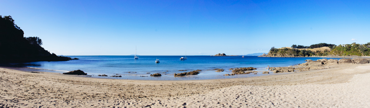 new-zealand-good-things-journal-waiheke-beach-panorama